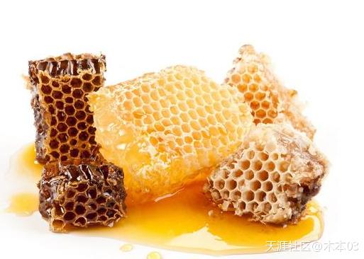 喝蜂蜜水的最佳时间 蜂蜜水的作用与功效有哪些中药蜂蜜的作用与功效与作用是什么?