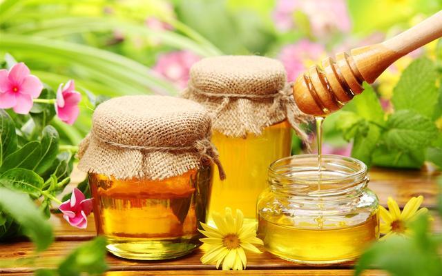 蜂蜜的作用与功效及食用方法中药蜂蜜的作用与功效与作用是什么?