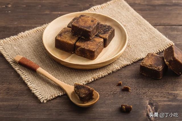 经期量大还有血块能喝红枣红糖水吗月经量过多中药方剂?