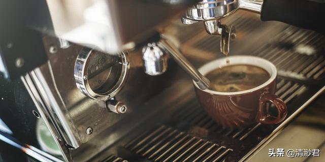 黑咖啡那么苦云香草图片大全,但还是有很多人喜欢,它的吸引点在哪里?黑咖啡和expresso的味道和口感的区别在哪里?