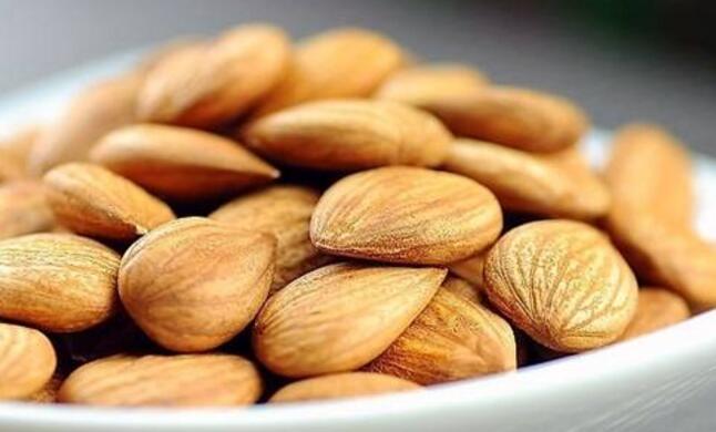 炒杏仁的功效与作用及食用方法,熟杏仁的功效与作用禁忌